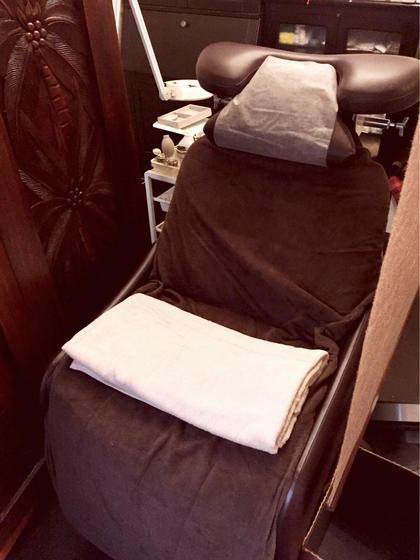 エクステ専用のベッドなので腰に負担なく楽に施術を受けられます PRANA所属・PRANAmihoのフォト