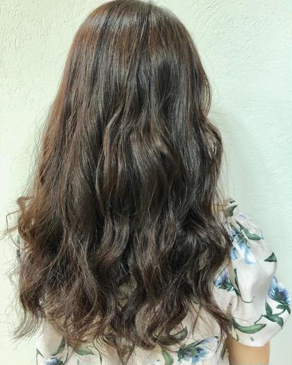 量が多く、しっかりした髪も 切り方とスタイリングで柔らかくふんわりなりますよ♪♪