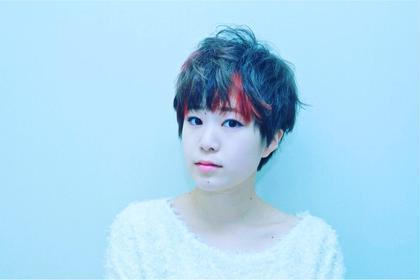 前髪のポイントカラーストロベリーレッドが 可愛くてオススメです AVANCE所属・戸田たかしのスタイル