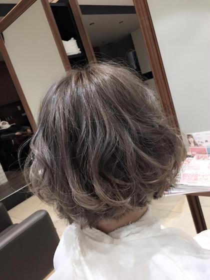 シルバーグレージュ Lee心斎橋所属・stylist yuukiのスタイル