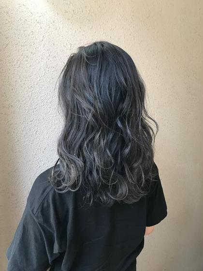 ブルージュ✖️グレージュ  実際にご来店いただいているお客様です 赤みゼロのカラーが得意です✨ takumi.店長・美容師歴11年のヘアスタイル・ヘアカタログ