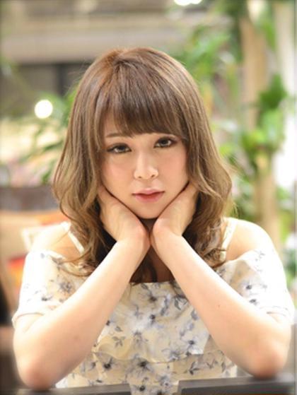 12トーンのアッシュベージュで外国人風に☆ MARIO HAIR DESIGN所属・杉本雄志のスタイル