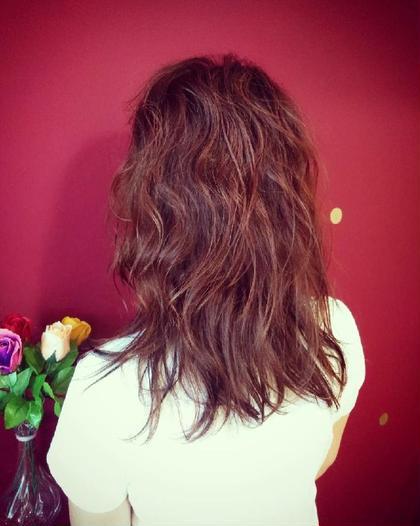 癖を活かしたパーマスタイル❥ぱぱっと結ぶだけでも可愛いですよ❥ hair KILIG所属・hairKILIGのスタイル