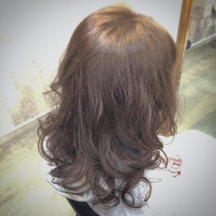 イノセントアイスブルー CHERIE hairdesign所属・ヨシダタイシのスタイル