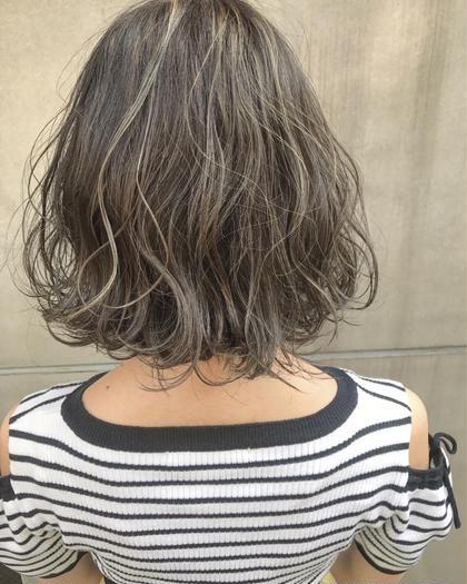 ハイライト3Dカラー×アッシュ 佐藤渚のショートのヘアスタイル