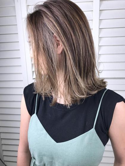 その他 パーマ ヘアアレンジ ミディアム Real salon work💈 【 hilight / hi beige / bob 】 . #スレンダーハイライト & ハイトーンベージュ🏷 . 鎖骨bobはコテ巻きしやすいし くくれるし応用の効きやすい長さ✂️  髪質と似合わせ、扱いやすさを考えて切らせていただきます。 お任せ下さい🌿 . . #ボブ#ハイライト#ベージュカラー