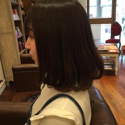 軽すぎないまとまりのあるボブスタイルで 量感は中間にスライドカットもいれて 束感、動きがでるように全体毛量調節 仕上げはコテで毛先をワンカール aile Organic Hair Salon西大寺店所属・出永奨のスタイル