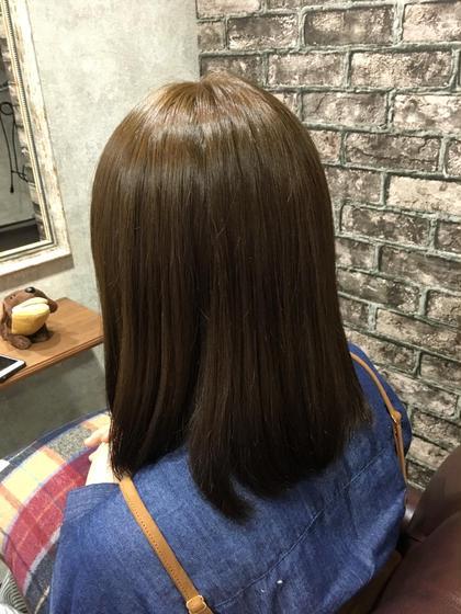 マットアッシュ トリートメント効果でサラツヤ Charm Hair Resort所属・安田紘果のスタイル