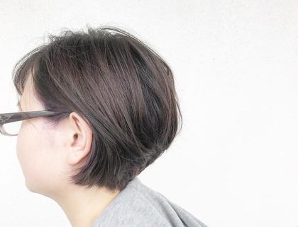 きらきら透明感のあるアッシュブラウンカラー.*・゚  インナーカラーに ダークヴァイオレットを😌  インナーカラーブリーチあり 元の髪色は、カラーが入っていない 地毛の状態でさせていただきました👌 HAIRLOUNGEPrim所属・小野眞女のスタイル