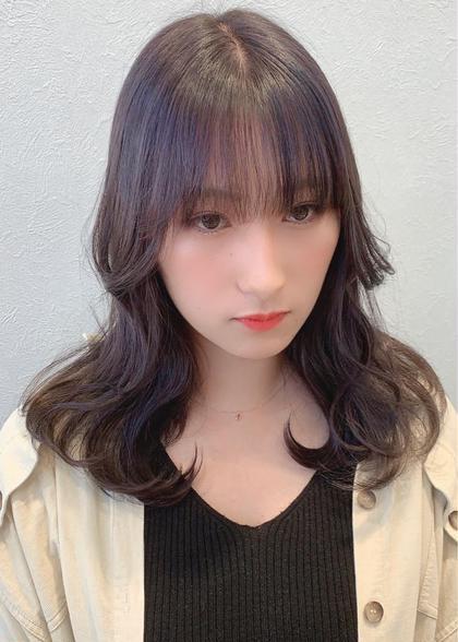 【韓国式レイヤーカット/アディクシィーカラー】  韓国スタイル/レイヤーミディ/シルバーグレージュ  ブリーチなし  透け感と艶感カラー 韓国式レイヤーカットで色気のある韓国スタイル🇰🇷