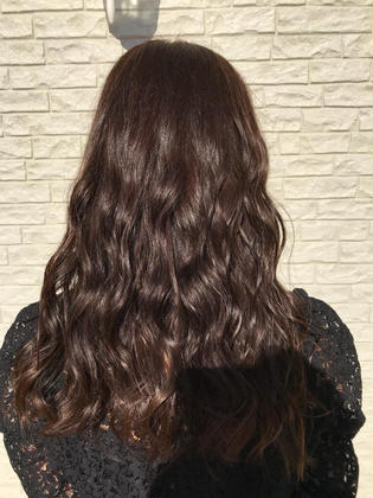 赤みをなるべく消した透明感のあるヘアカラー Hair Healing Wish所属・スタイリスト/大窪雄太のスタイル