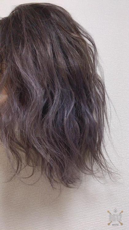 パープルアッシュ(^^) ベースのブリーチは1回です!! moana hair所属・西村孝宏のスタイル