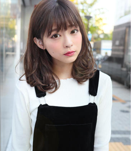 優しいアッシュ系のヘアカラーです(^_^)  くすみすぎないので可愛い服にも合います(^_^)