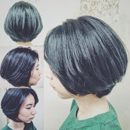 ショート ショートボブ✂️✨ 全体的にオーバーダイレクションで切ってます! グラデーションボブに表面に軽くレイヤーを入れて軽いスタイルに! 耳にかけてもOKです! 前髪もアップバングにしてより大人可愛いスタイルになりました!