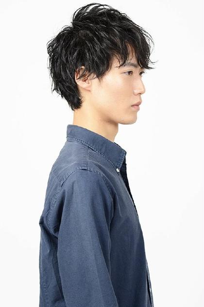 hair&makeEARTH 長崎浜町店所属・サロンディレクター ひなご ゆうきのスタイル