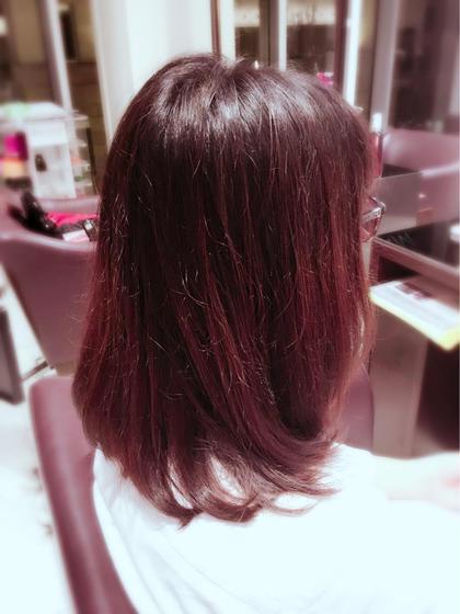 Aラインの鎖骨ぐらいのフェミニンボブ☆ 癖毛で広がりやすい方にも少しだけ重さを残して 広がりにくくしてます!! cassishair所属・stylistRINAのスタイル