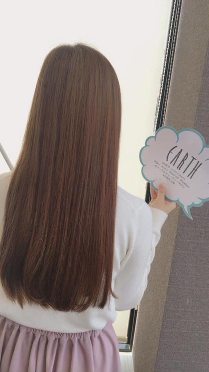 ベースベージュのピンクのハイライトをいれたデザインカラー Hair&MakeEARTH上田店所属・古谷菜月のスタイル