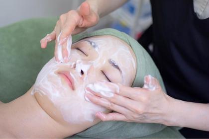 【洗顔】 もっちり泡で毛穴奥の汚れを吸着!保湿成分でうるさら肌に♪ メディカルフェイシャルエステM'sroom所属・フェイシャルエステM's roomのフォト
