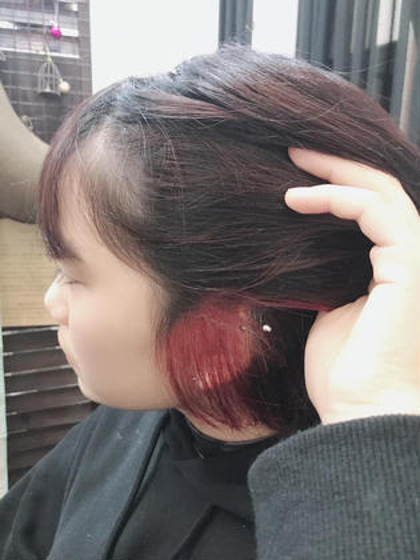 【可愛げドさらに高まる】派手髪インナーカラー