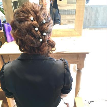 結婚式のまとめ髪。 ゆるふわな感じが人気です( ¨̮ )  HairSet...¥2500〜¥4000 lico×little札幌駅前店所属・熊谷美咲のスタイル