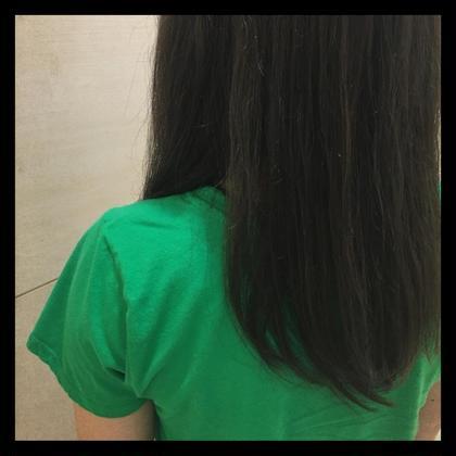 カラー ロング グレージュカラー✨ 赤み、オレンジが気になる方も 完璧になくします!  ロングカットもしてます!✨ 広がりやすい髪も適度な毛量に! 絶対長さを変えたくない方でも 毛量が多い方は是非!