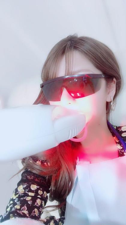 業界初・最新LEDライトも!! 歯周病予防+ホワイトニング ここだけにしかないものを是非体験くださいませ✨   ホワイトニングラウンジハピカ 心斎橋筋商店街店所属・ホワイトニングハピカ 心斎橋筋商店街店のスタイル