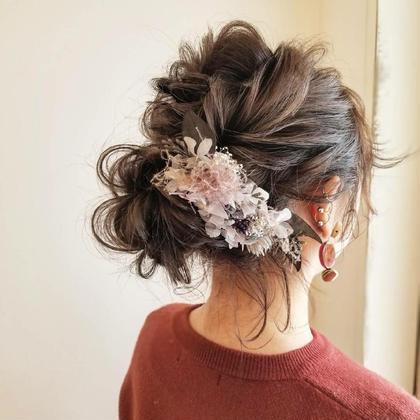 クルリンパアレンジ。 お呼ばれヘアにおすすめです(^^) haircaresalon HOLGA所属・HOLGAタクミのスタイル