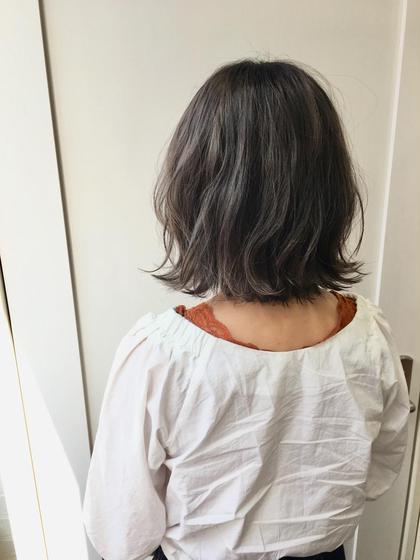 カラー ショート 1ブリーチしてる状態から更にブリーチ(トータル2ブリーチ)☆ 紫多めグレーで「シルバーグレージュ」に(^^) 赤味が強い髪質の方は濃いめに入れる事でグレージュ感がしっかり出ます★