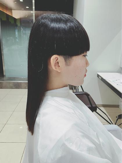 ワンレングス、刈り上げ、レディース、黒髪、ツヤ髪、トリートメントカット、まとまり髪 オーストヘア レイズ所属・長谷川勇人のスタイル