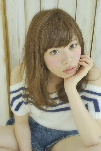 ピュアなストレートスタイルで垢抜けちゃおう⭐️  カラーも柔らかいスモークベージュでストレートだけど重く見えないですよ! e.m.ainternational所属・satoyoshikiのスタイル