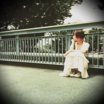 ブリーチ✖︎2回で、ビビットピンクを重ねてみました!風がなびくたびにチラッと見えるカラー☆ go s go所属・saki☆yamのスタイル