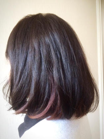 カラー ショート ミディアム ヴァイオレットピンクのインナーカラーで可愛くて個性的に(^-^)さりげなくオシャレに✨