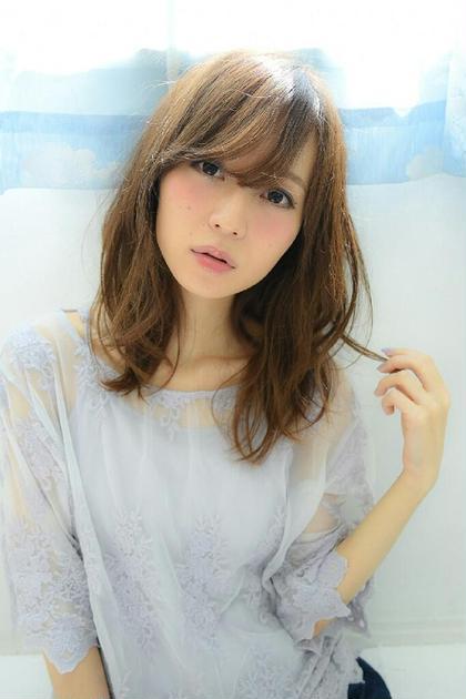 前髪長めのセミロングスタイル LLAND LUXBE所属・半田隼也のスタイル