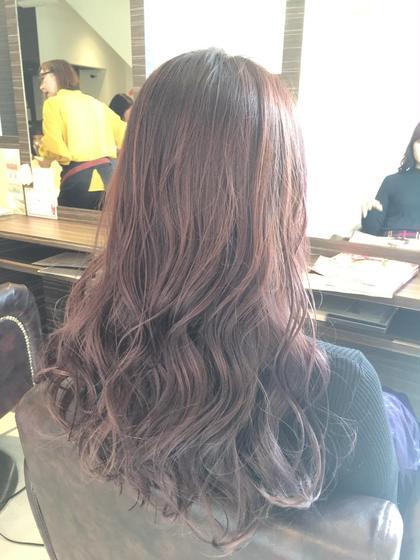 オイル系のスタイリング剤ですぐにリッジがですます!  髪質によりますが、大きく綺麗なウェーブがでます。 pandola美容室本店所属・浅野実のスタイル