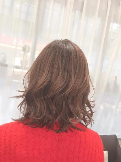 カラー ショート パーマ レイヤーを入れて軽めの仕上がりに🌟  髪の毛を普段巻く方にオススメです!  毛先の動かきが出やすいのでとっても可愛いです💕
