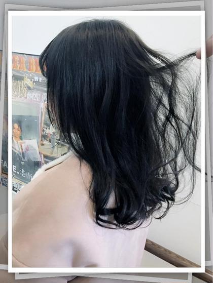 トーンダウン  ブルーアッシュグレー Aria所属・エンドウアキのスタイル