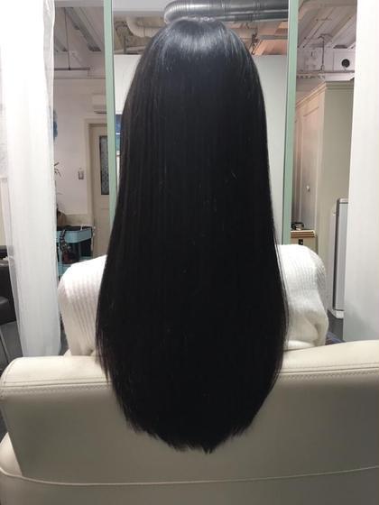 赤味のないグレーブラックにオペレーショントリートメントでしっかりケアをするとこんなにもツヤサラになります! hairsalon M 新宿所属・ShimazuDaichiのスタイル