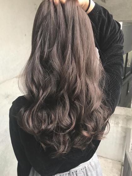 ♡暗めアッシュベージュで透明感カラー♡ miwa♡のロングのヘアスタイル