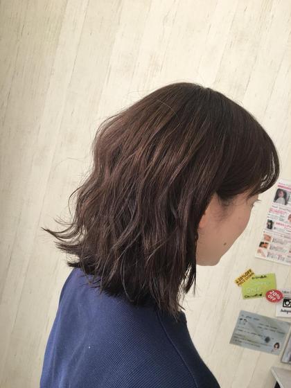 ____moca brown . 真っ黒の髪から少し明るく落ち着いたブラウンに♥ 明るすぎず暗すぎず女子力高めです♥ . RamourT所属・西村千恵のスタイル