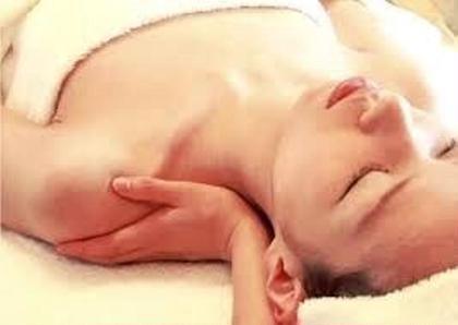 マッサージをしてお肌に栄養を送りましょう✨ 肌質改善専門サロンAccueil所属・鈴木貴子のフォト