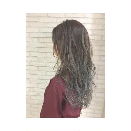 カラー セミロング 毛先ブリーチしてます♪結構強めのブルーいれてます☆ ハイライト!
