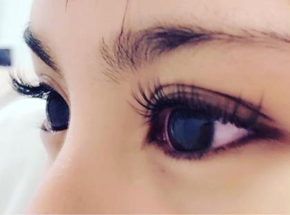 nail&eyeyourside所属のyoursideasukaのマツエクデザイン