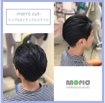 カラー パーマ メンズ 清潔感あるスタイル、前髪は長めで6:4パートがベストマッチします。黒髪でも似合うので大人男子にオススメ!