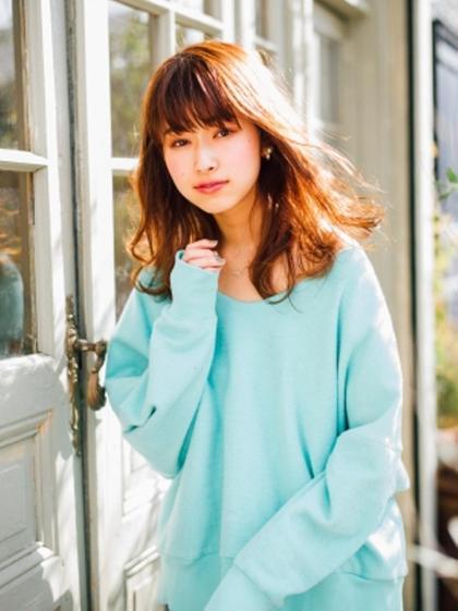 Emerge 新宿東口店所属・Emerge新宿東口【YOSHINO】のスタイル