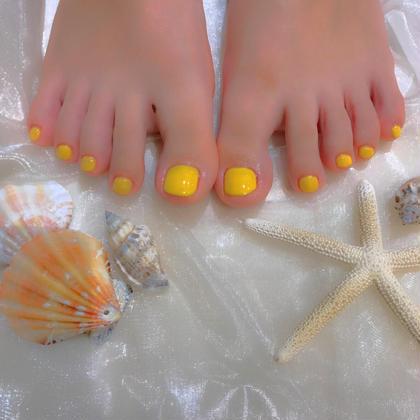 フットワンカラー♡レモンイエロー  ぱっと目を惹く黄色もかわいいです⭐️ ありがとうございます♡♡  お仕上げも可愛くお写真撮ります✨✨✨ 櫻井夏海の