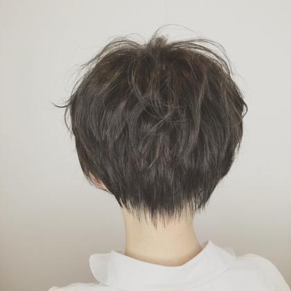 小顔で横顔がキレイで首が細く長く見えるショート💓  骨格に合わせて、毎朝のスタイリングの時間を縮めます!!  🍀横顔がキレイに 🍀広がりが収まった 🍀長持ちするカット 🍀家で再現しやすい…など   【ショートカットは仕上がりがとても自分にとって似合う、似合わないがわかりやすい髪型です。丁寧にカウンセリングをさせていただきます。是非、担当させて下さい。】  ニューヨークニューヨークなんばパークス店   https://www.nyny.co.jp/salon/122701/staff/10227/   各線なんば駅直結  大阪府大阪市浪速区難波中2-10-70なんばパークス4F  📞06-6636-8414  #ハンサムショート#髪型#ショート#NYNY#ニューヨークニューヨーク#難波#なんば#なんばパークス#イメチェン#ヘアカタログ#小顔#耳掛けショート#ショートヘア#ショートボブ#小顔カット#前髪カット#襟足スッキリ#えりあし#首スッキリ#令和