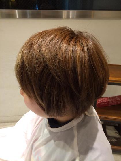 10トーンのベージュにハイライトを入れたハイトーンカラー。夏にぴったりです☆ wagon所属・takayamaairaのスタイル
