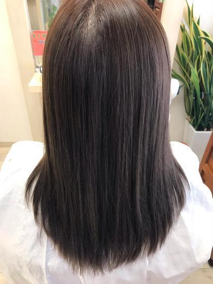 ツヤと潤いチャージ❗️美髪トリートメント 1度のトリートメントでツヤと潤いを髪の中に閉じ込め、まとまりをよくします
