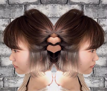 ショート 外国人風×イヤリングカラー  アッシュベージュ☆  イヤリングカラーとはイヤリングのようにインナーカラーをするデザインカラーのこと☆  日本人特有の赤みのある髪にも相性抜群☆  暖色系を入れてた方にもオススメなデザインカラー☆