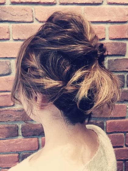 ショートルーズヘアアレンジスタイル  サイド編み込み、トップくるりんぱ、金魚風  Hair Resort Lull [ヘアーリゾートラル]所属・田中魁人のスタイル